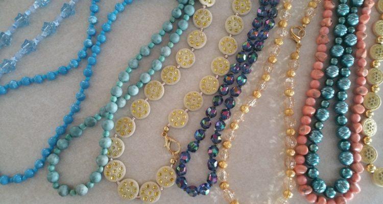 necklaces-strands